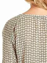 Ecru-zielona koszula w geometryczne wzory