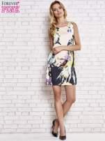 Jasnoróżowa sukienka z malowanym nadrukiem