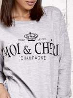 Jasnoszara bluza z napisem MOI & CHÉRI