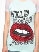 Jasnozielony t-shirt z ustami z cekinów i rękawami z siateczki