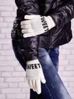 Kremowe rękawiczki z napisem SWEET i z wywijanym ściągaczem