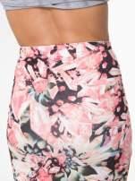 Różowa spódnica ołówkowa z nadrukiem diamond print