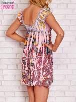 Różowa sukienka kwiatowa odcinana pod biustem