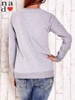 Szara bluza ze srebrnym nadrukiem