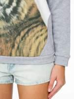 Szara dresowa bluza z nadrukiem tygryska i napisem HUG ME!