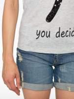 Szary t-shirt z napisem YOU DECIDE i cekinami