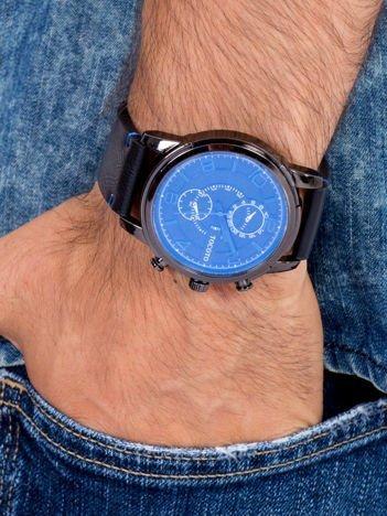 Nowoczesny i duży męski zegarek z 3 chronografami na tarczy