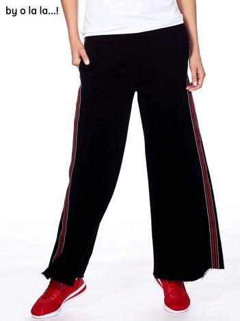 BY O LA LA Czarne szerokie spodnie dresowe z lampasami
