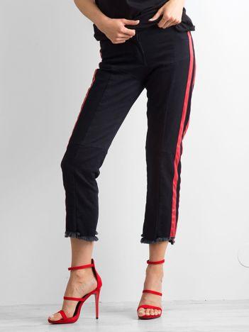 BY O LA LA Czarno-czerwone jeansy z lampasami