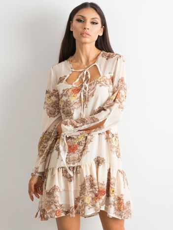 74832238f3 BY O LA LA Jasnobeżowa sukienka z falbaną