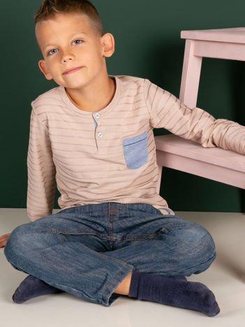 Beżowa bluzka chłopięca w plecione paski z kieszonką