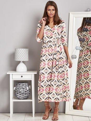 Beżowa długa sukienka letnia z trójkątnym dekoltem