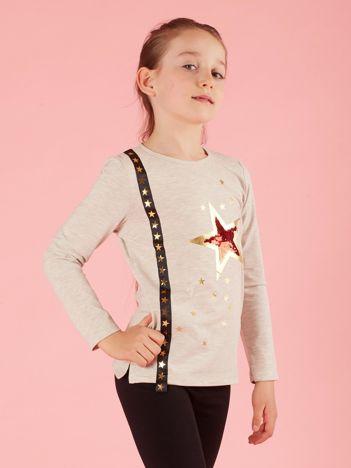 Beżowa dziecięca bluzka z aplikacją