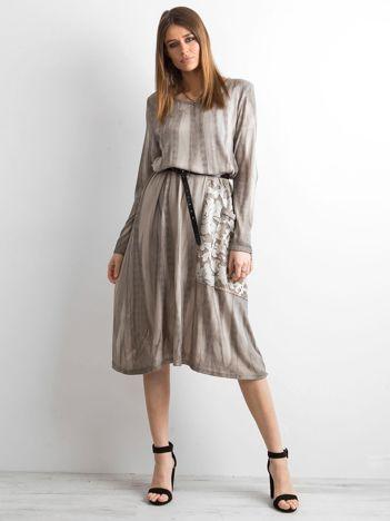 Beżowa sukienka z kieszenią