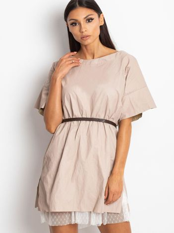 Beżowa warstwowa sukienka z siateczkowym wykończeniem