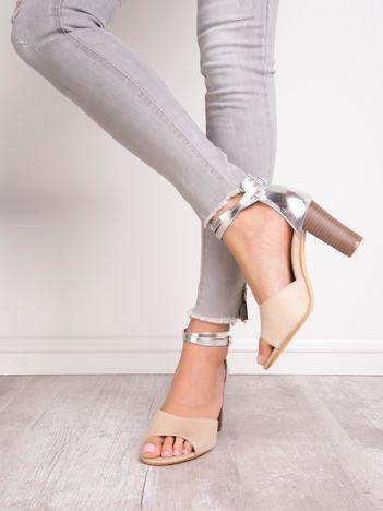 Beżowe sandały SABATINA z metalicznym tyłem cholewki