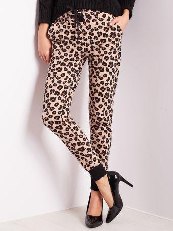 Beżowe spodnie damskie w cętki