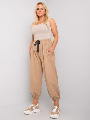 Beżowe spodnie dresowe plus size z szerokimi nogawkami Ferro