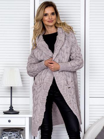 Beżowy długi warkoczowy sweter