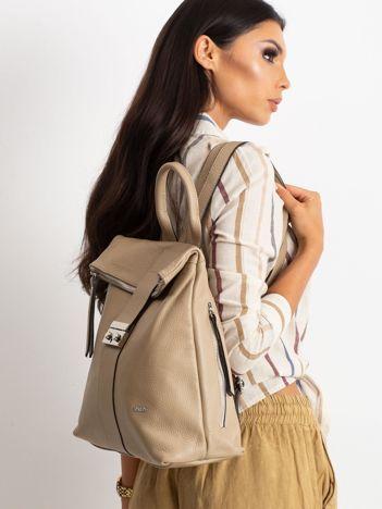Beżowy plecak skórzany