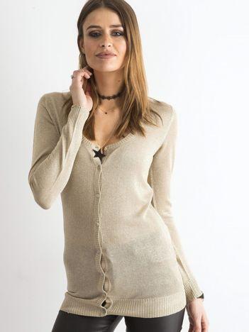 Beżowy sweter z metaliczną nicią