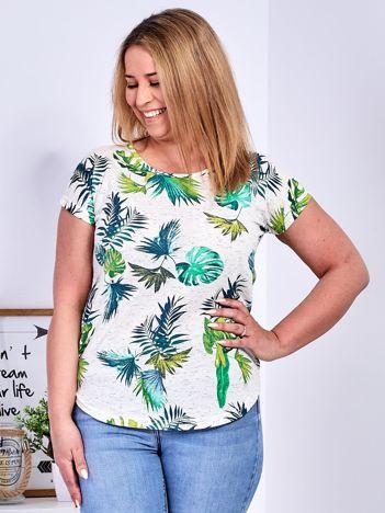 Beżowy t-shirt z egzotycznym roślinnym motywem PLUS SIZE