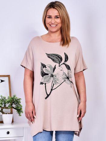 Beżowy t-shirt z kwiatem  PLUS SIZE