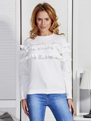 Biała bluza z falbankami