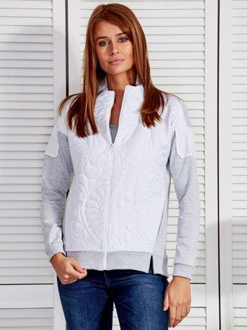 Biała bluza z pikowanym modułem