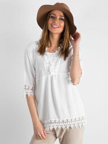 Biała bluzka damska z koronką