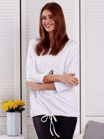 Biała bluzka z motywem motyli