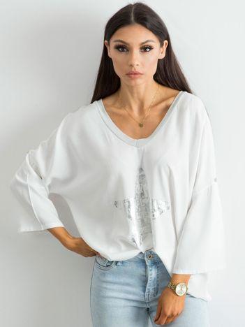 Biała luźna bluzka z nadrukiem