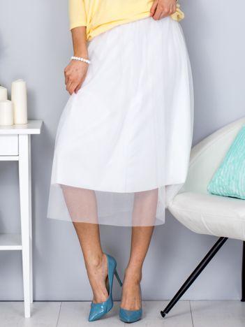Biała spódnica midi z tiulową warstwą