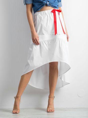 Biała spódnica z troczkami BY O LA LA