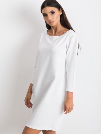 Biała sukienka Distinguished
