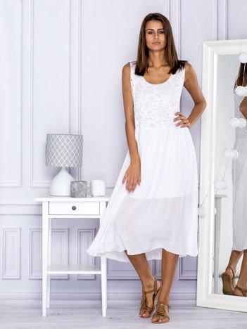 Biała sukienka letnia z ażurowaniem
