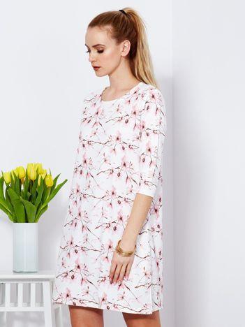 Biała sukienka z delikatnym kwiatowym printem