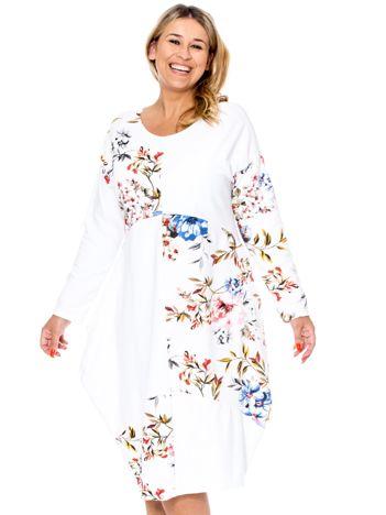 Biała sukienka z kwiatowym nadrukiem PLUS SIZE