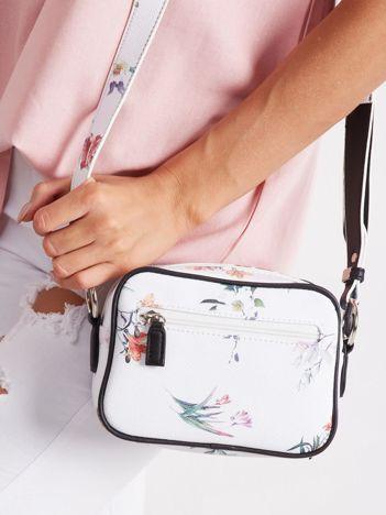 Biała torebka w kwiaty