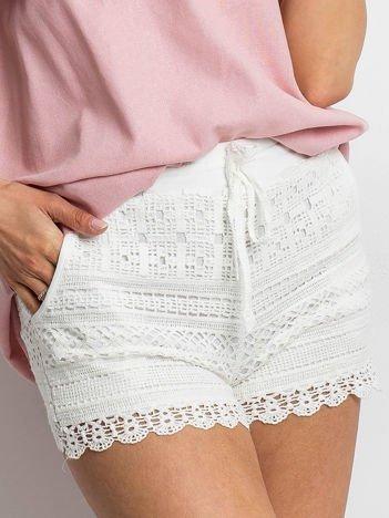 79c52736d1ad0 Nowa kolekcja: Moda damska i męska, trendy 2019 - sklep eButik.pl