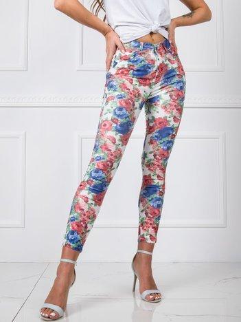 Białe materiałowe spodnie high waist w kwiaty