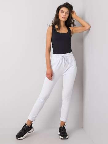 Białe spodnie Cadence