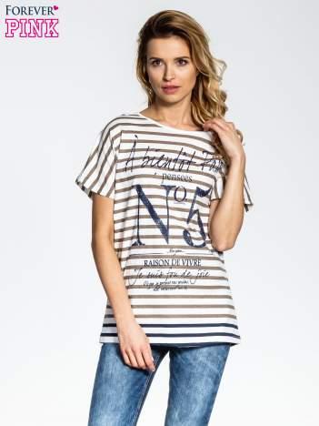 Biało-beżowy t-shirt w paski z napisem À BIENTÔT PARIS
