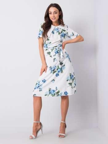 Biało-niebieska sukienka w kwiaty Merla