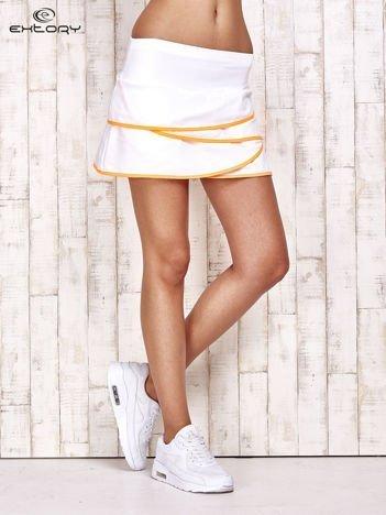 Biało-pomarańczowe spodenki spódniczka tenisowa z falbankami