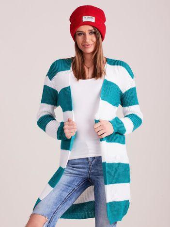 Biało-zielony sweter w pasy