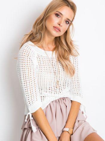 Biały sweter Beatrice