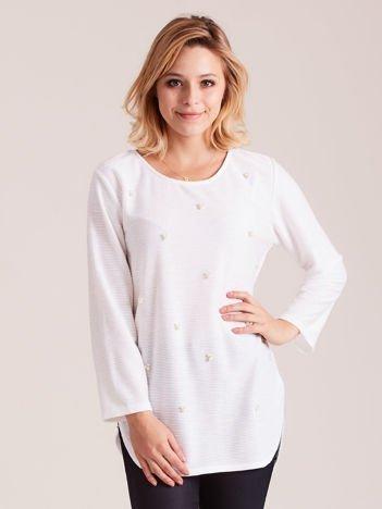 Biały sweter z perełkami