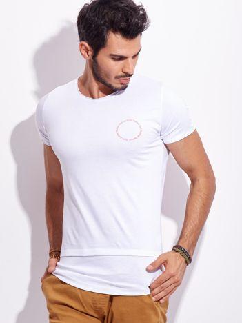 Biały t-shirt dla mężczyzny z napisem