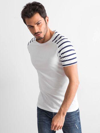 Biały t-shirt męski z paskami